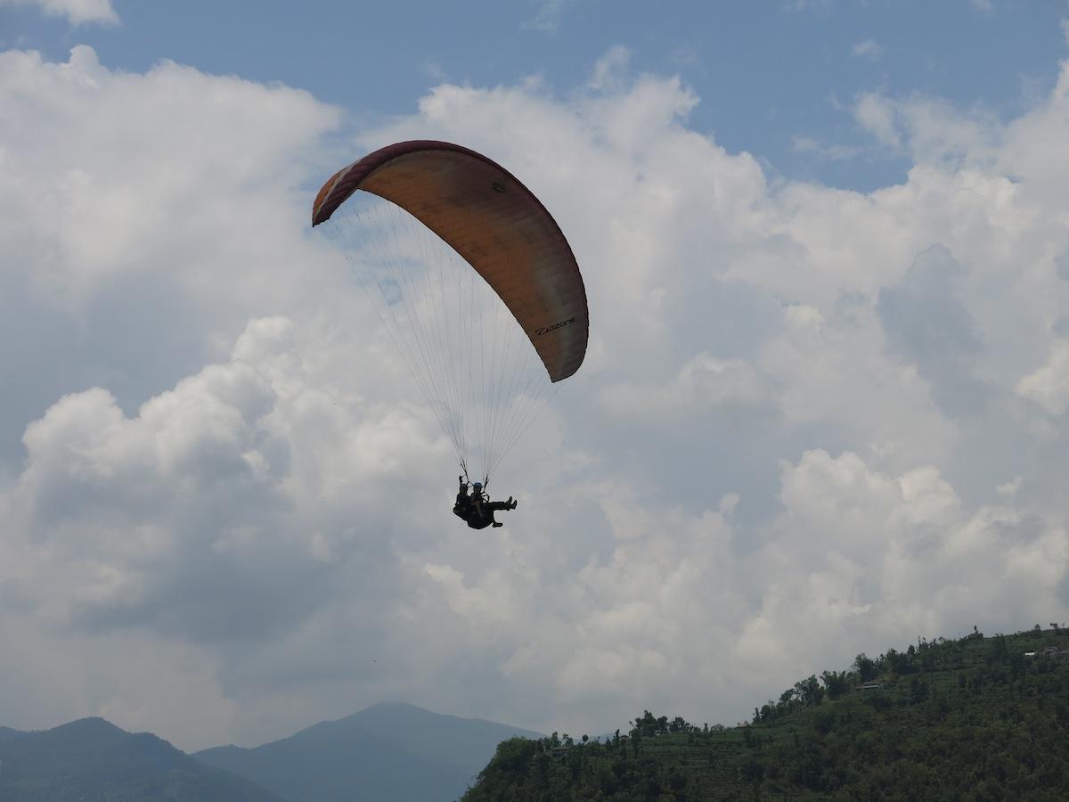 Nicole Ahne Paragliding